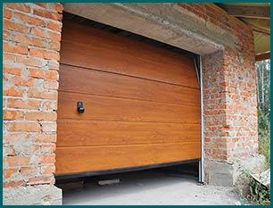 Central Garage Doors North Providence, RI 401-217-2290